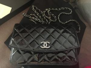 Authentique pochette Chanel Timeless