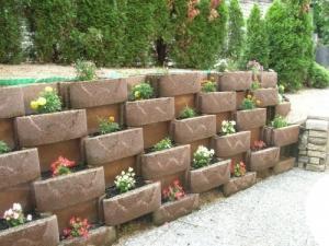 jardinier paysagiste travaille bien fait