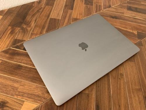 """MacBook 12 """"avec écran Retina en bon état"""