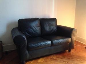 Canapé cuir noir 2/3 places