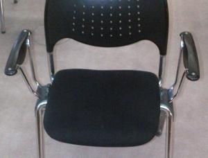 Chaises en très bonne etat general(80 ch