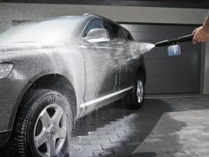 Les laveurs de voitures pour le travail à temps partiel