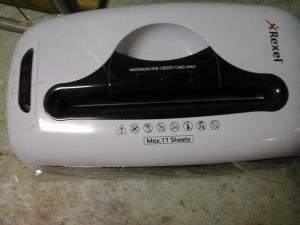 Destructeur de papier vendu dans son emballage