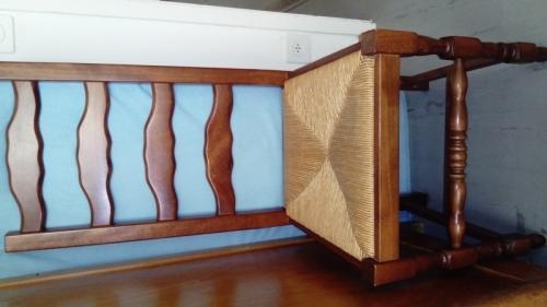 Vends une chaise en bois