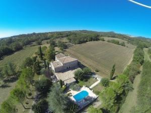 Gites ruraux occitanie,cévennes piscine couverte.
