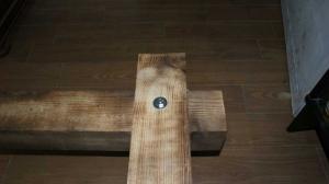 Lit neuf en bois massif vieilli avec LED, prise et tablette
