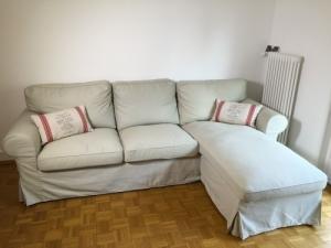 Canapé confortable 2 places + méridienne