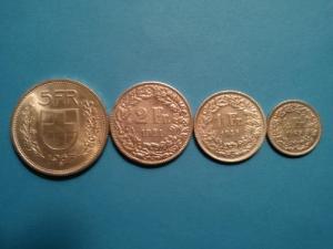 Collectionneur achète monnaie suisse arg