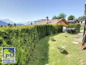 Grand studio avec terrasse et jardin au centre
