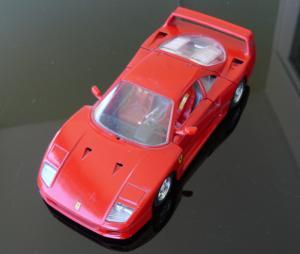 Ferrari F40 Bburago au 1/24.