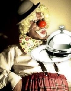 Clown-serveur pour repas évènementiel